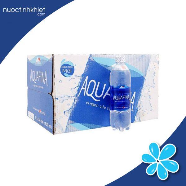 Thùng nước Aquafina 1.5L