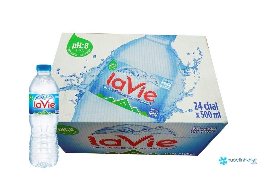 Thùng nước Lavie 500ml đóng chai